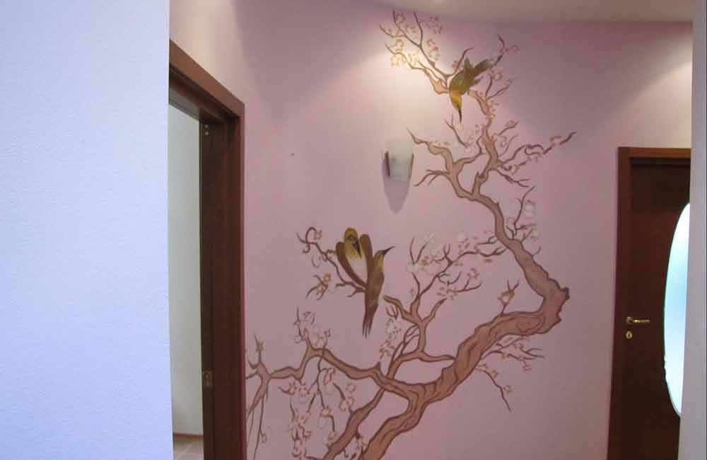 Декор стены краской фото